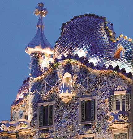 Esterno-di-Casa-Batllo-Barcellona-Gaudi