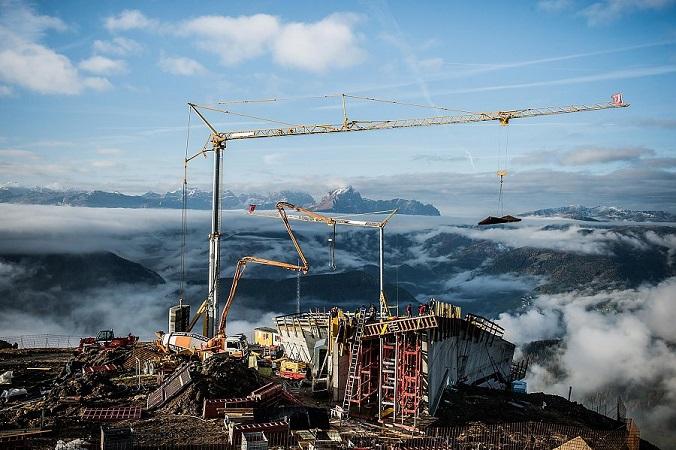 Lavori-di-costruzione-del-Messner-Mountain-Museum-a-Plan-de-Corones
