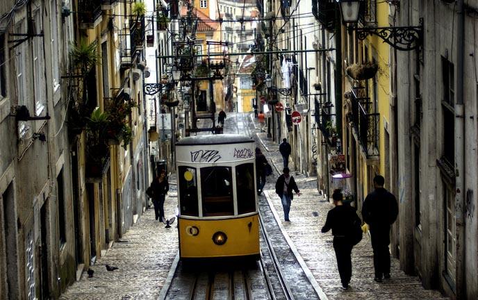Lisbona-quartiere-di-Alfama
